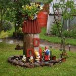 Dārzā savu mājvietu raduši dekoratīvi rūķi