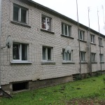 Daudzdzīvokļu māja Valdeķu iela 8