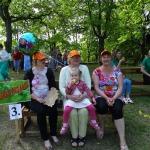 Cēres pagasta komanda noslēpusies zem cepurēm
