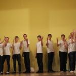 """Mazo formu uzvedumu 1.kārtā piedalījās Kandavas internātvidusskolas 7.-8 klašu audzēkņi ar uzvedumu """" Skrejpasaka""""( I.Ziedonis)"""