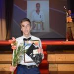 """Nominācijā """"Cerība sportā"""" pateicību saņēma Latvijas atklātā čempionāta karatē 2.vietas ieguvējs Āris Avotnieks"""