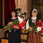 Kandavas novada Pateicība ( no labās) Aijai Kārņupai un Mārītei Grīnhofai