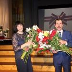 Kandavas novada Pateicība ( no labās) Igoram Zaļevskim un Anitai Nikolajenko