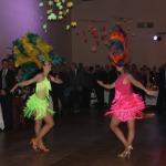Ar ugunīgām dejām priecēja Brazīlijas dejotājas