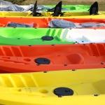 Sot tipa kajaki un kanoe laivas laivošanai.